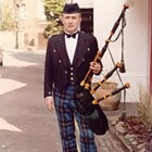 Bagpiper Dave Brooks, Wedding Bagpiper available to hire for weddings in Carmarthen