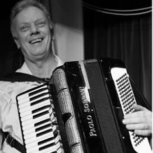 Mario Lee (Accordionist), Accordionist