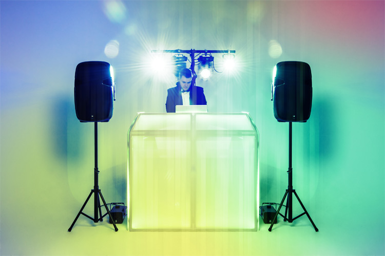 Why Should Your Company Offer Corporate Entertainment For Your Customers, Clients and Suppliers?