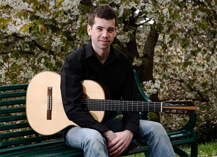 Top 10 Classical Guitarists For Weddings In 2014