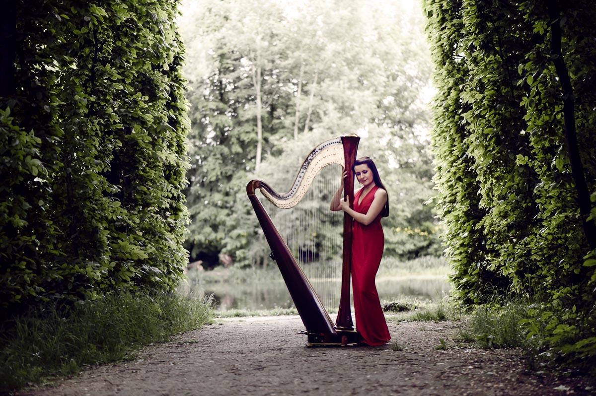 Edinburgh Harpist   Harpist Edinburgh   Alive Network