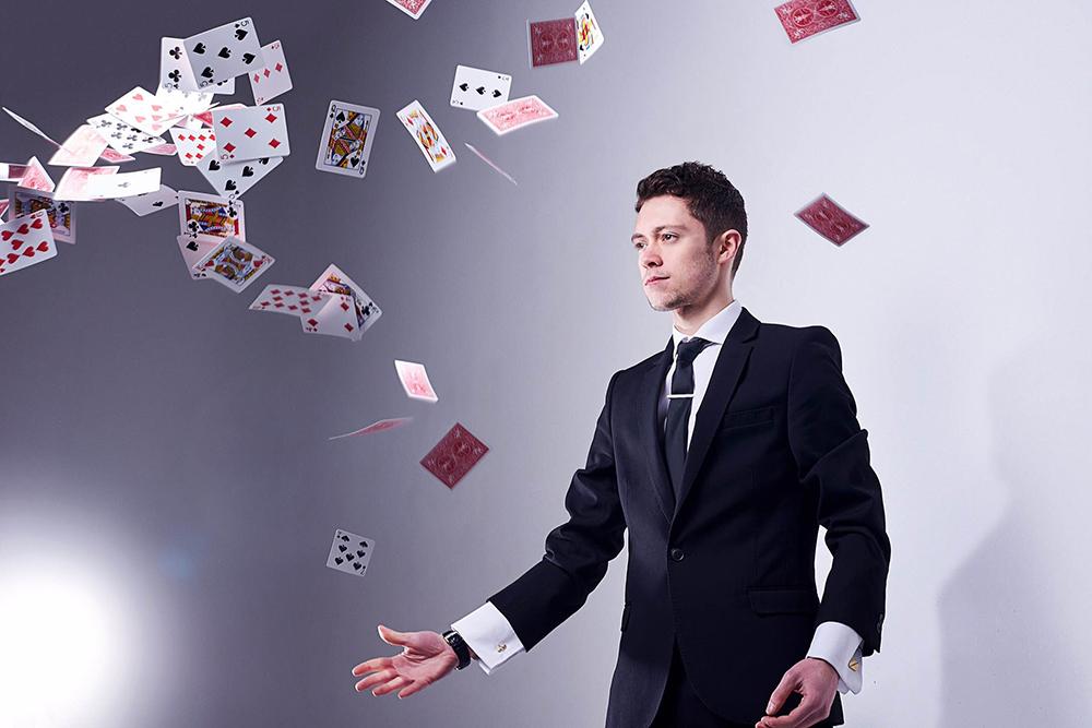 Luca Valentino Magician
