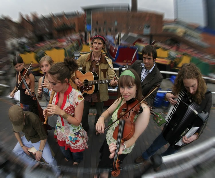 Everything You'll Ever Need To Know About Booking A Ceilidh Band