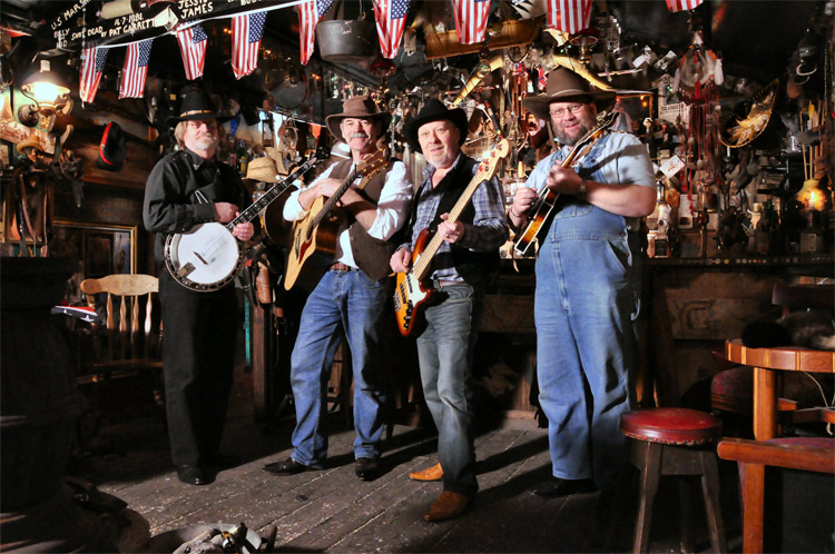 Barn Dance Bands | 5 Great Reasons to Book a Barn Dance Band for Your Party