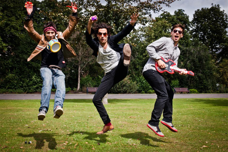 Promo The Wedding Crashers Rock And Pop Trio West Midlands