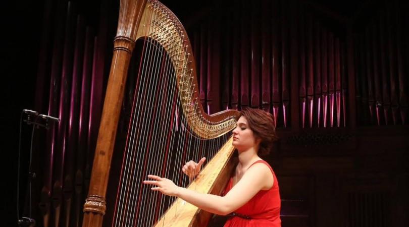 Catalana Harpist