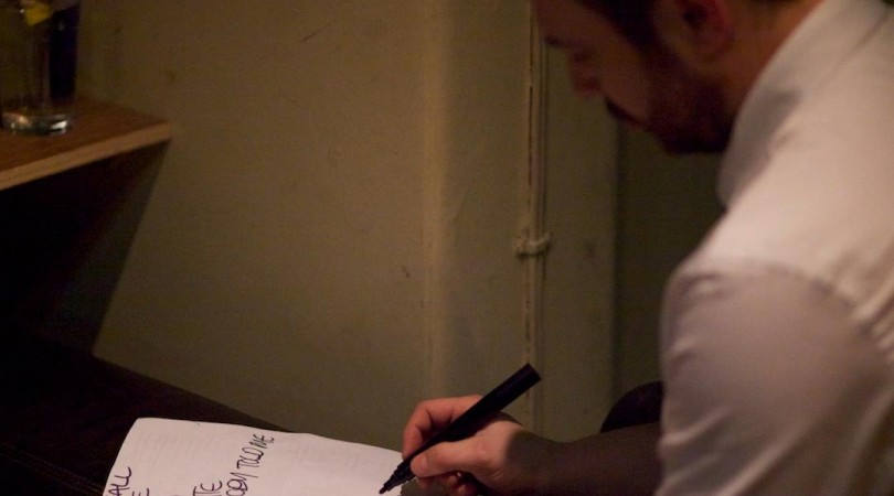 Joey from Hipster making set list amends