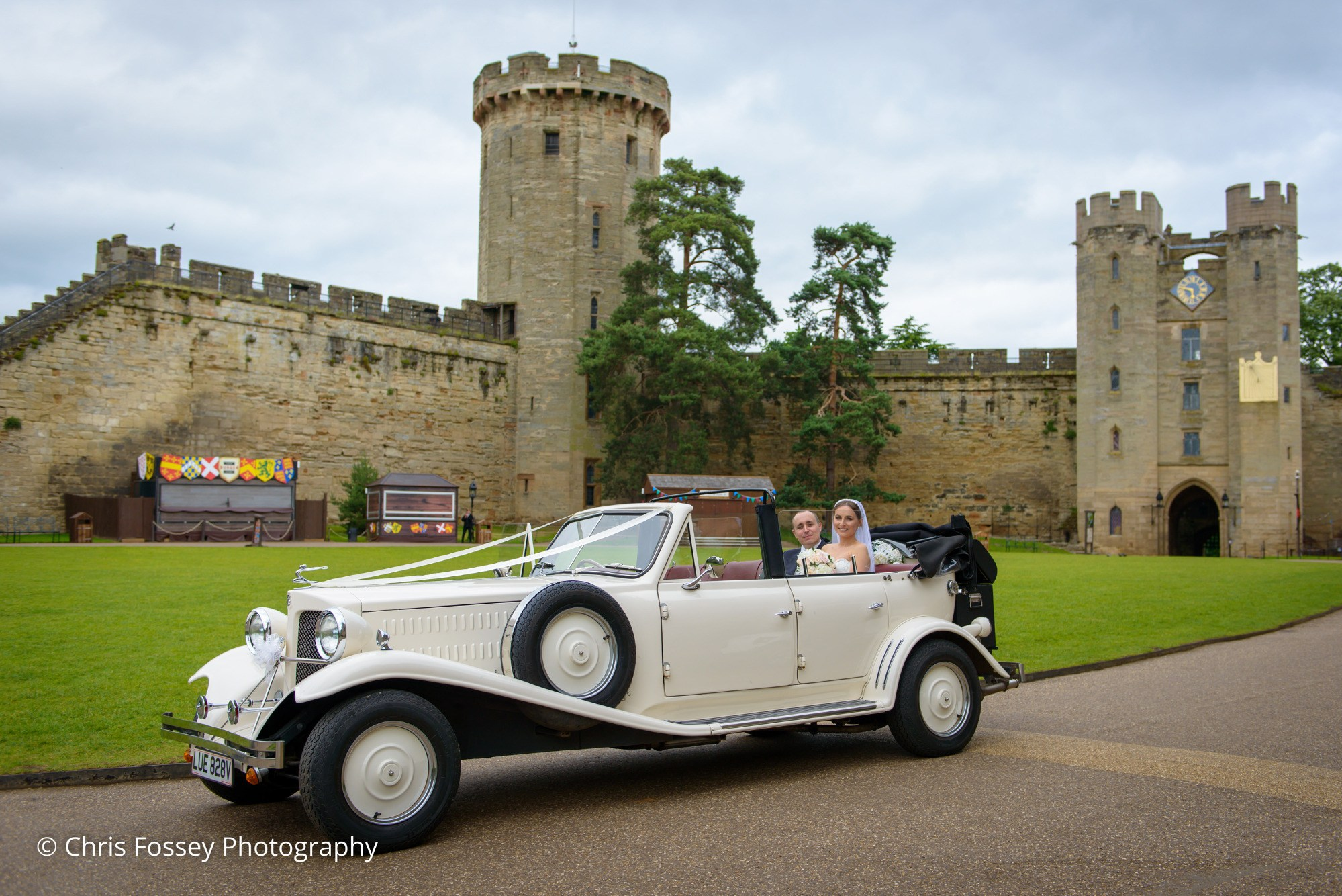 Justyna And Richard S Regal Fairytale Wedding At Warwick Castle