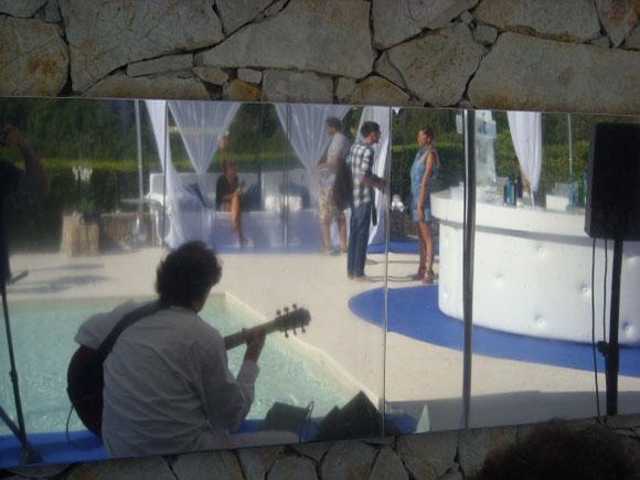 Pierre Bensusan performing for Facebook Execs