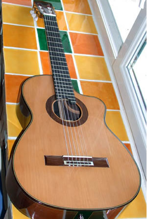 Pierre Bunsusan Juan Miguel Carmona firma modelo nylon cuerda de guitarra